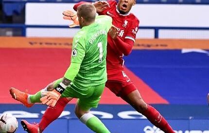 官方:利物浦大将范迪克膝盖重伤 至少缺阵数月